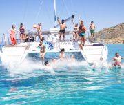 catamaran-mallorca-al-agua