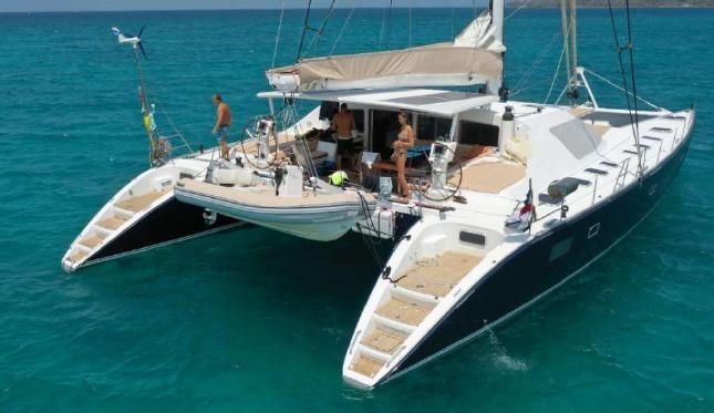 Catamaran de lujo 3